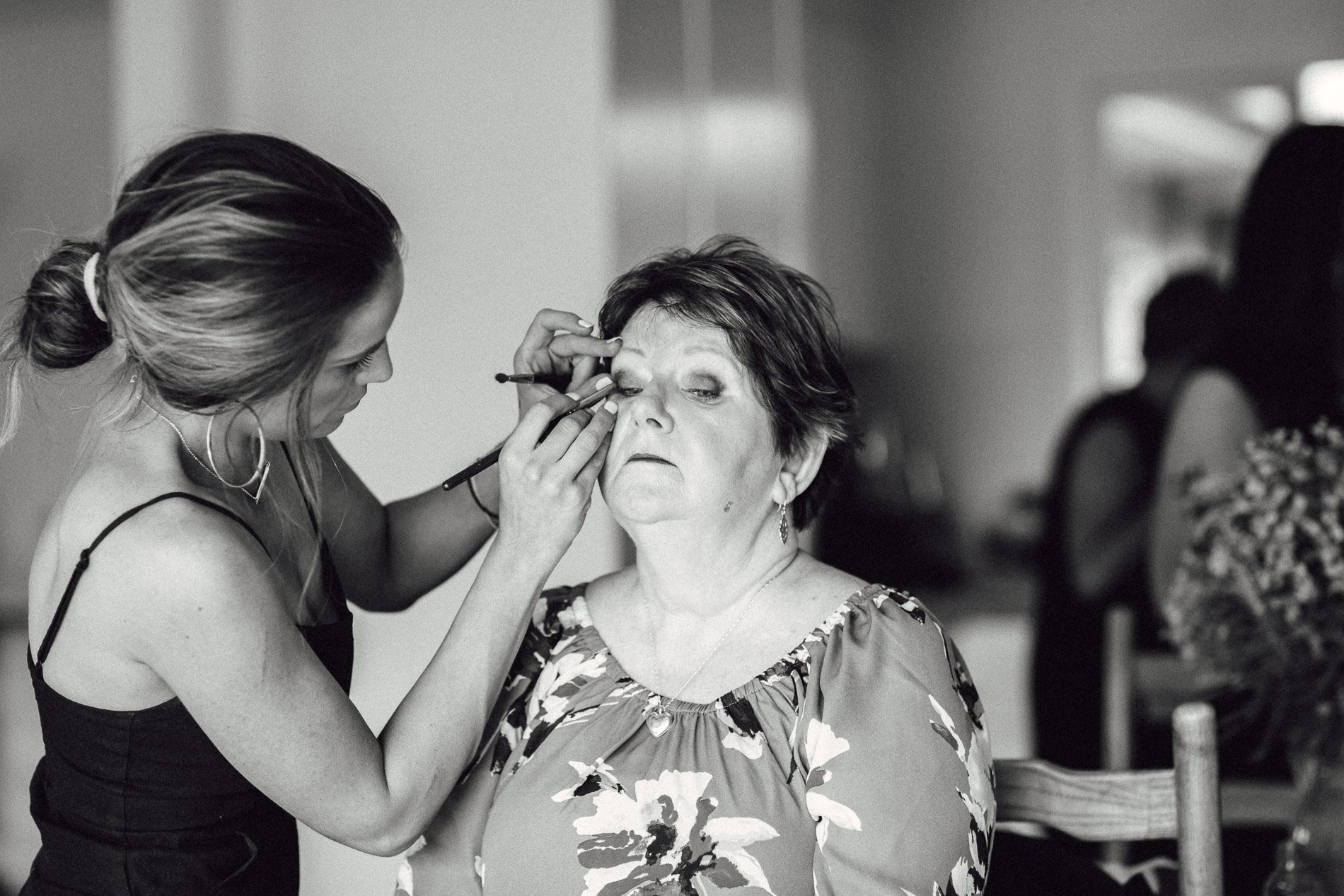 fern and stone photography getting ready wedding