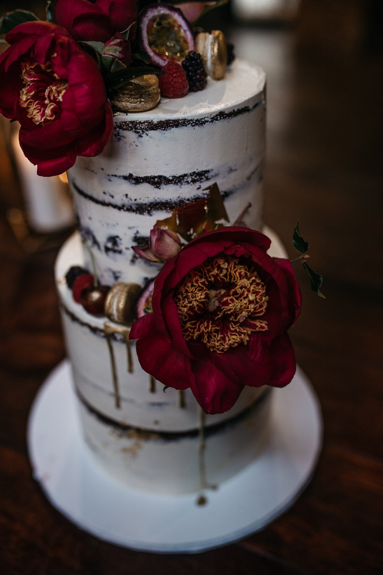Red hill wedding epicurean fern and stone photography wedding cake